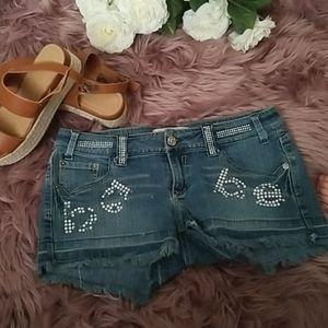 Babe Short shorts